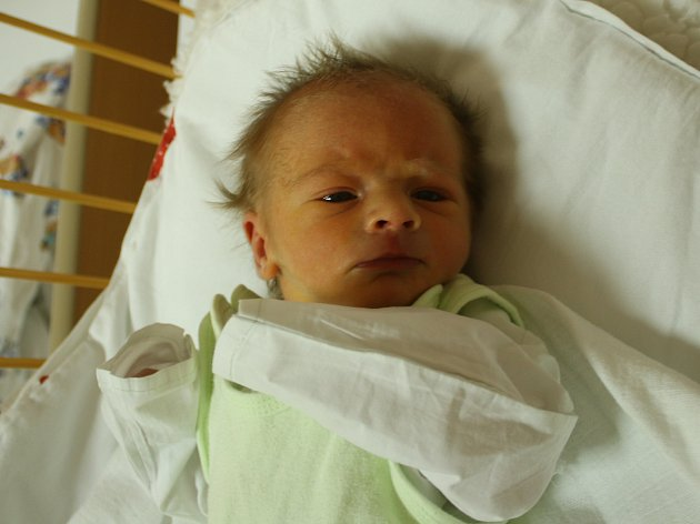 Filípek Koval se narodil Aleně Kovalové z Krupky 28. října v 4.20 hod. v ústecké porodnici. Měřil 50 cm a vážil 2,85 kg