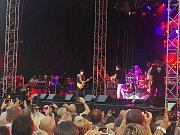Drážďany rozparádil kytarový mág Carlos Santana.