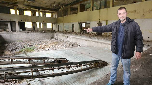 Nový majitel areálu lázní Vrbenského a sportovní haly začíná s rekonstrukcí.