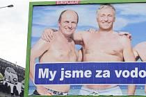 Ústecký kandidát Petr Gandalovič dnes ve vedení ODS končí. Už nebude kandidovat na místo místopředsedy. Společná fotka na billboardu s Mirkem Topolánkem je pro oba minulostí.