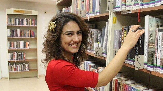 Dobrovolnice z Jerevanu Tatevik Tamazyan v Severočeské knihovně