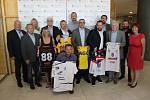 Slavnostní podpis smluv o dotacích pro sportovní profesionální kluby s mládežnickou základnou v rámci Koncepce financování sportů s širokou mládežnickou základnou v Ústeckém kraji