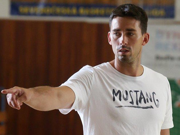 Trenér basketbalistů Slunety Ústí Antonín Pištěcký.