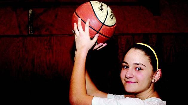 Talentovaná basketbalistka Denisa Jalamudisová.