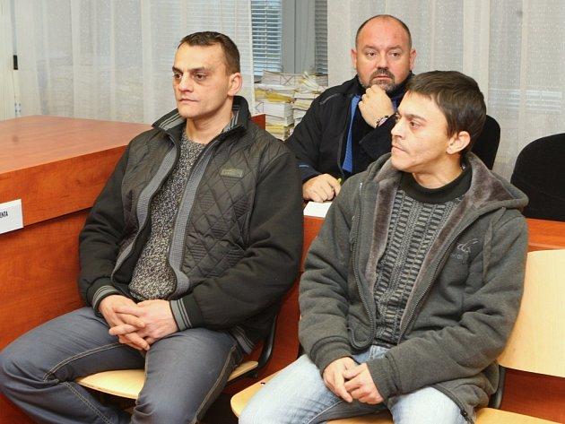 Jozef a Iván Bubnárovi měli před dvěma lety zmlátit železnými a dřevěnými tyčemi dvojici mužů v Mojžíři. Hrozí jim pět let za mřížemi.