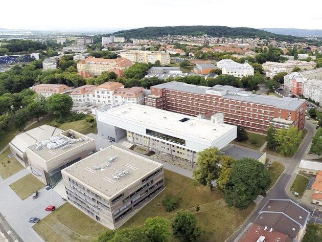 Kampus UJEP focený z dronu. Ilustrační foto.