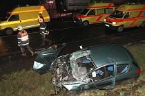 K vážné dopravní nehodě došlo na silnici 1/15 u sjezdu z dálnice D8 u Lovosic. Nehoda kamionu a osobního vozu si vyžádala tři vážně zraněné.