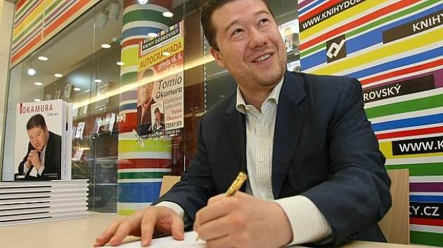 Autogramiáda Tomio Okamury