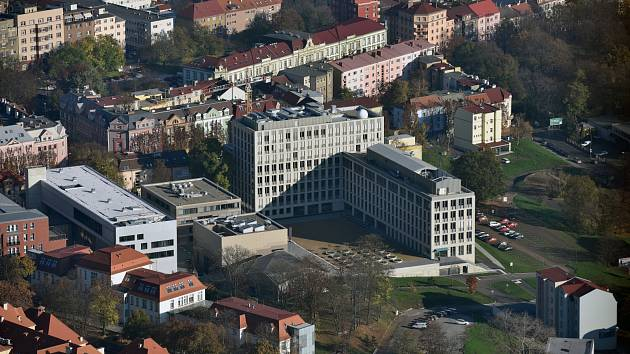 Filozofická fakulta UJEP má dvě nové katedry.
