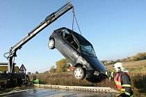 Dopravní nehoda zablokovala jízdní pruh u Strážek.