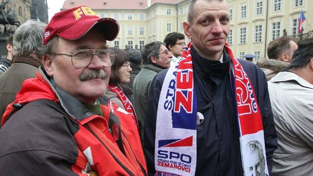 Příznivci Miloše Zemana přijeli i z Jablonce nad Nisou.