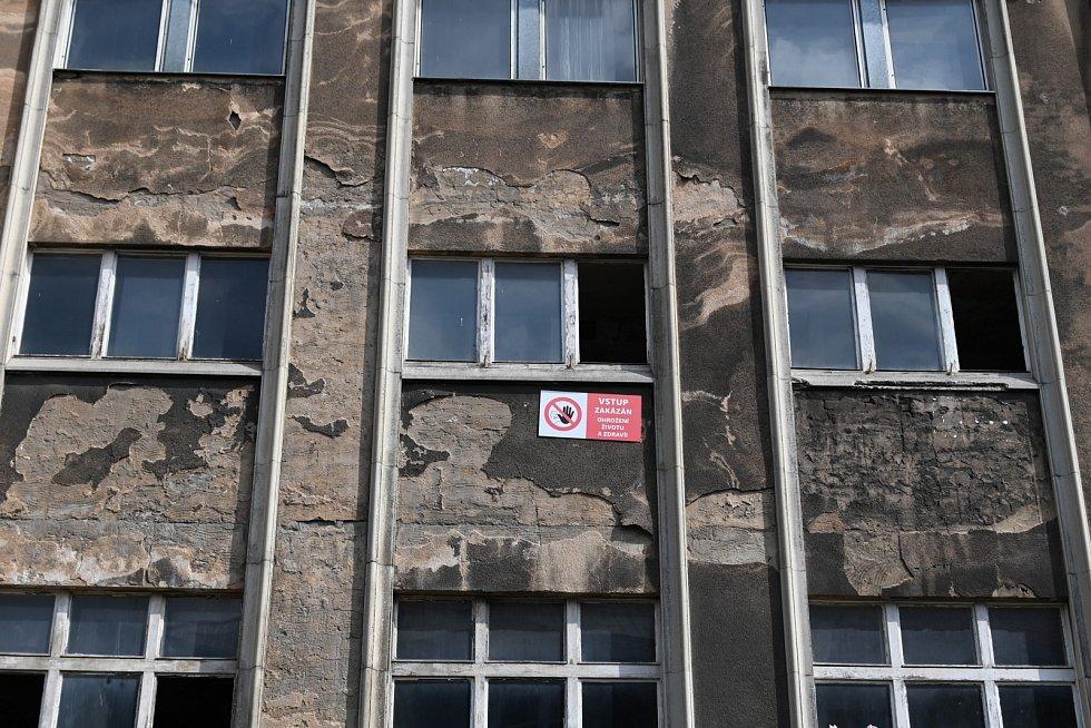 Bývalé lázně dr. Vrbenského v střekovské Truhlářově ulici.