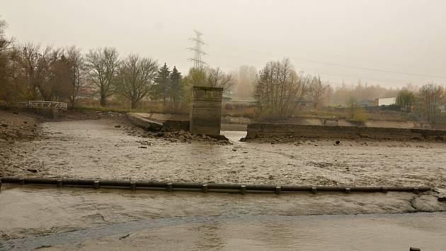 Habrovický rybník je zase na blátě, výlov byl neveřejný.