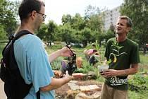 Sousedská slavnost na komunitní zahradě Zahrada na terase