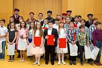 SLAVNOSTNÍ PROMOCE absolventů Teen Age University při Univerzitě J.E. Purkyně.