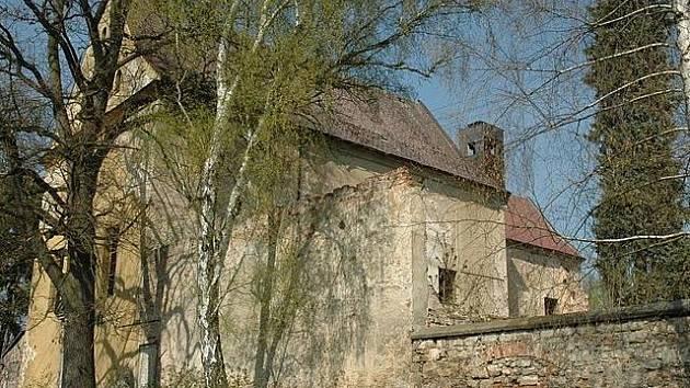 Chátrající kapucínský klášter v Zákupech má svou majitelku, ta ale nemá na opravy.