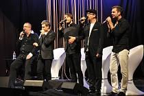 Koncert Richarda Müllera se skupinou Fragile na jevišti Krušnohorského divadla v Teplicích.