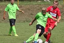 Ústečtí fotbalisté (červení) prohráli ve Svádově s Mostem 0:1.