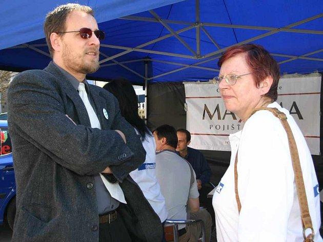S Dušanem Oslejem ze Strany zelených diskutuje redaktorka Jitka Hadašová