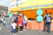 V rámci celorepublikového turné navštívila 20. a 21. září republiková Liga proti rakovině ústecké Mírové náměstí.