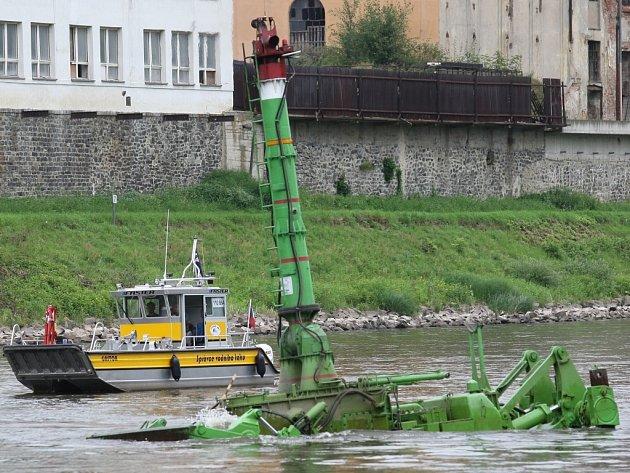Odstranění nánosů na dolním toku Labe po povodních přijde nejméně na 212,6 milionu korun.
