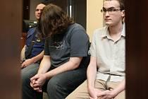 Bývalí ústečtí skautští vedoucí Milan Machát (vlevo) a Martin Mertl dostali za zneužívání dětí, jejich znásilňování a natáčení videí trest deset let vězení.
