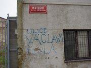 Lidé si Matiční ulici svérázně přejmenovali.