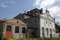 Areál v Krásném Březně je na prodej.