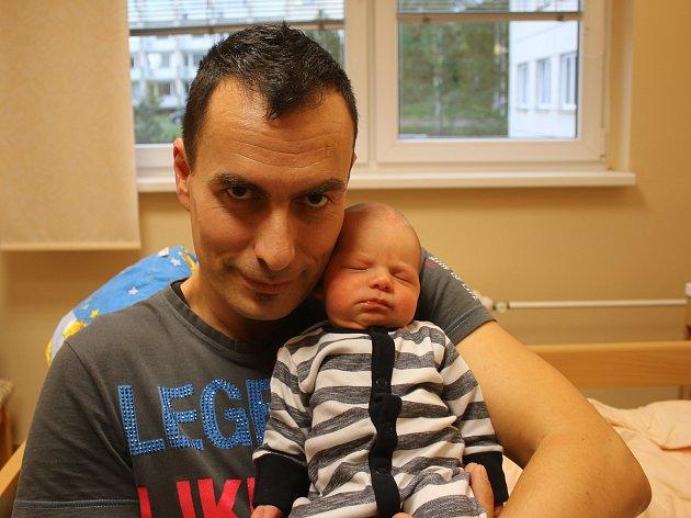 Filip Nosek ml. se narodil Martině Noskové a Filipu Noskovi z Teplic 5. října v 8.31 hod. v ústecké porodnici. Měřil 53 cm a vážil 3,73 kg.