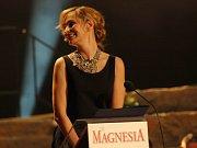 Monika Absolonová také předávala Cenu Thálie.