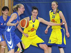 Basketbalistky ústecké Slunety v play off vyřadily Aritmu Praha a zahrají si o účast v první lize.