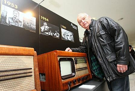 Muzeum spotřebičů v budově krajského úřadu. Ale nejen to. Zhlédnout mohli například dobové televizní záznamy a připomenout si tak čas, kdy tyto elektrospotřebiče vznikly.