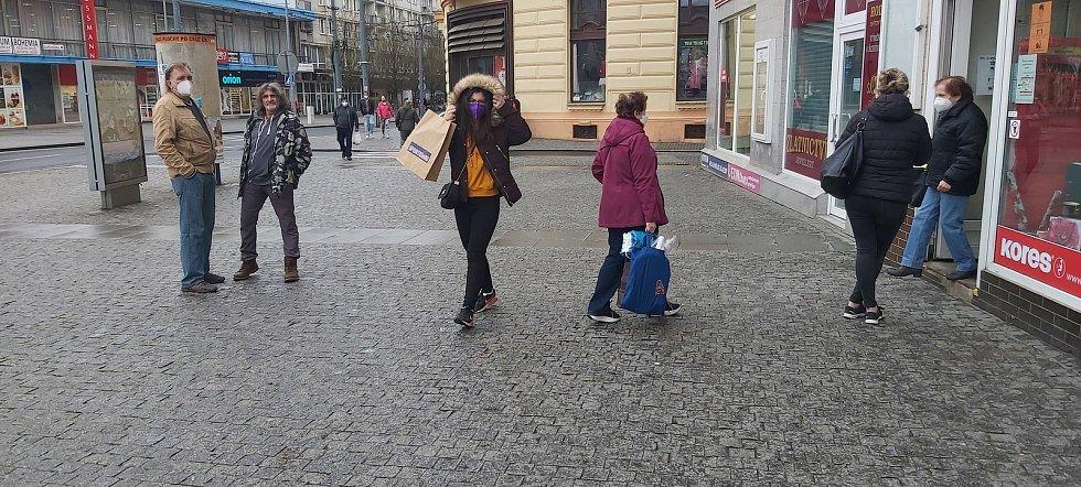 Obchody v Ústí nad Labem 12. dubna.