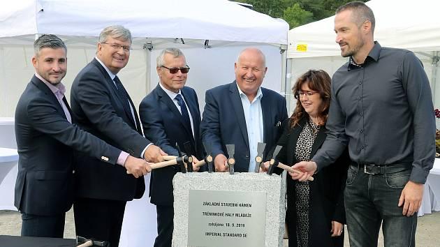 Slavnost poklepání na základní kámen nové haly v Ústí n/L - Klíši  18.9. 2019