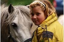 Na parkurovém kolbišti TJ Tatran Ústí se konaly netradiční hobby závody ve stylu dětského dne.