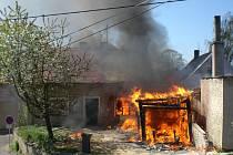Požár v Roudníkách objektivem obyvatelky obce.