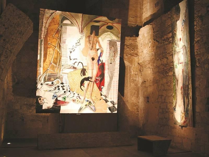 V katakombách hradu je galerie.