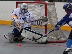 Hokejbalisté ústecké Elby budou odvracet vyřazení ve čtvrtfinále play off.
