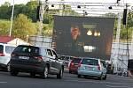 Autokino ve Všebořicích stále láká desítky diváků.