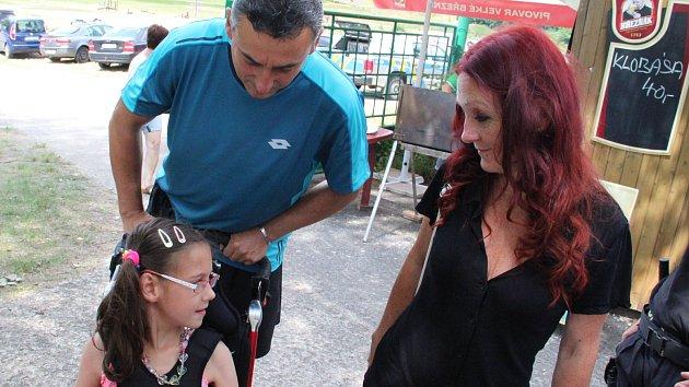 Dobročinný turnaj vydělal postižené školačce přes 94 tisíc