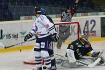 Ústečtí hokejisté v úvodním duelu sezony porazili Benátky 4:3 po nájezdech.