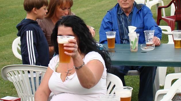 Pivo je náš národní mok. Ilustrační foto.