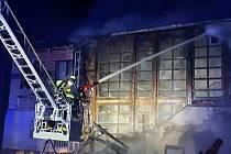 Požár budovy na hřišti v Přestanově