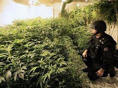 Na Ústecku přibývá mladých uživatelů drog. Kromě marihuany je u nich v oblibě heroin a pervitin. Ilustrační foto.