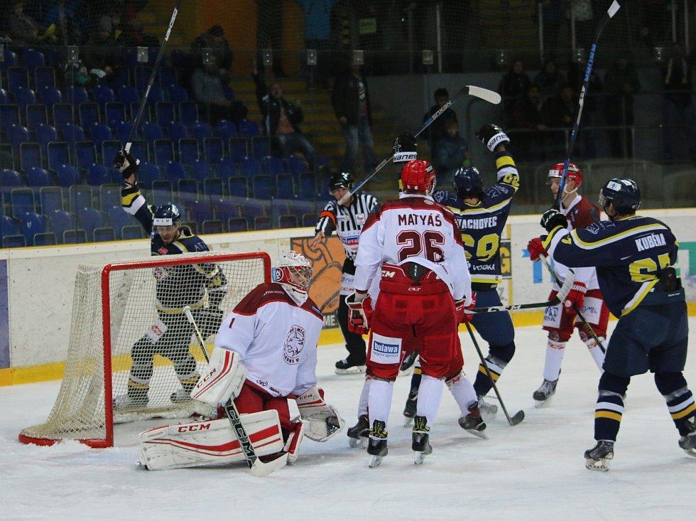 Fotoreport ze zápasu HC Slovan ÚnL vs. HC Frýdek-Místek 25.11. ´17, hokejisté Ústí se radují