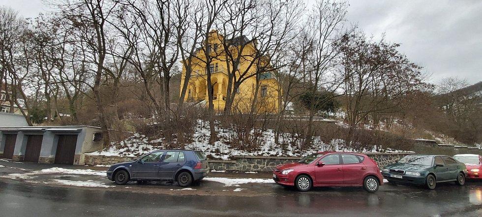 Obvod Střekov v Ústí nad Labem. Ukázka továrnických vil z minulosti