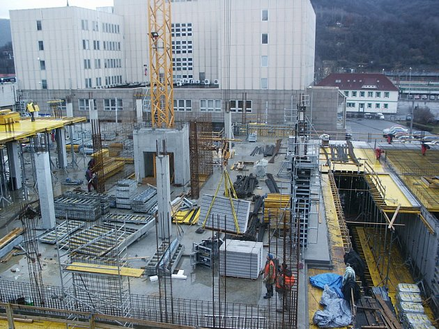 Stavba nového multifunkčního domu u divadla