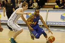 Basketbalisté Slunety doma letos drtí své soupeře a konkurenci převálcovali i v tradiční anketě Deníku.