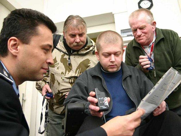 Postižení zkouší nový GPS navigátor