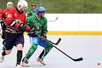 Utkání oblastního poháru HBC Devils Děčín (červení) proti HBC Orlík Ústí n/L (zelení).